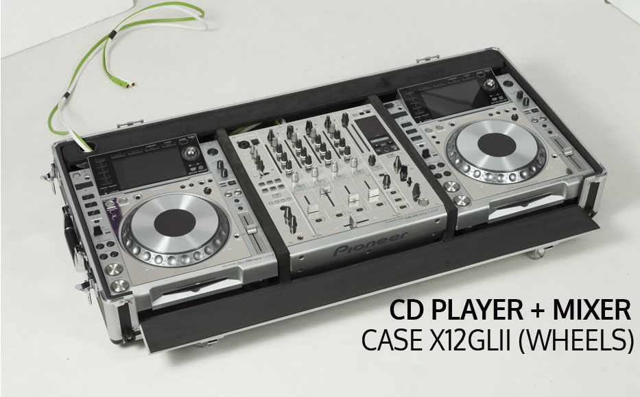 Set CD Cases.